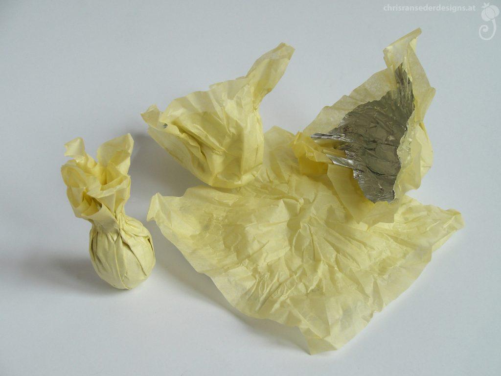 Chocolate wrappers. | Einwickelpapier von Pralinen.