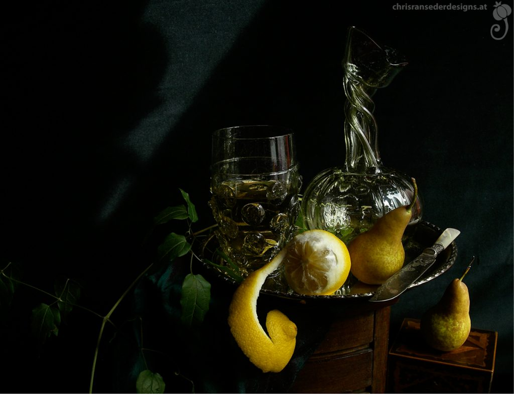 Still life with replicas of historical glass. | Stillleben mit Repliken historischen Glases.