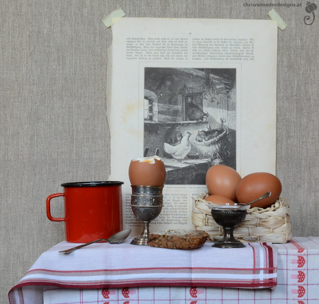 Still life with eggs, bread, and coffe mug. | Stillleben mit Eiern, Brot und Kaffeehäferl.
